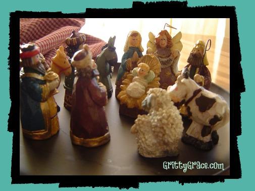 CHRISTMAS MEMORIES: MINI-NATIVITY…